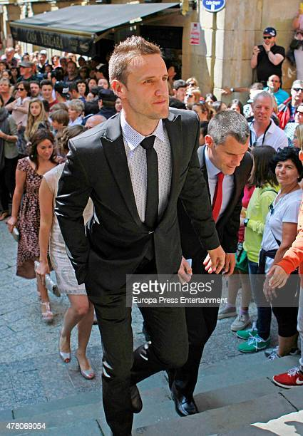 Guests attend the wedding of Juventus football player Fernando Llorente and Maria Lorente at Santa Maria del Coro Basilica on June 20 2015 in San...
