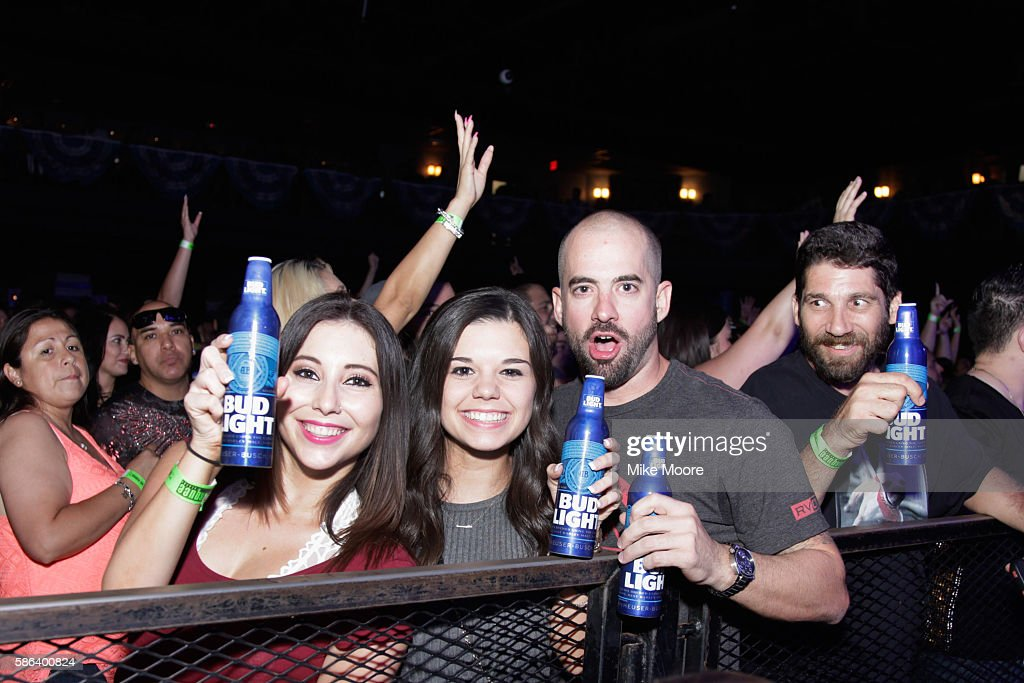 Guests Enjoy Flo Rida Performing At The Bud Light Party Convention In  Phoenix On August 5