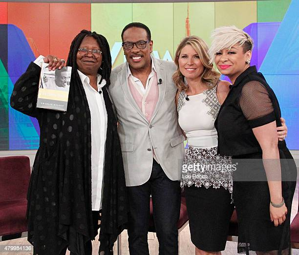 THE VIEW Guests include Actress Kelly Rutherford and Walt Disney Television via Getty Images News' Dan Abrams Chief Legal Affairs Anchor American...