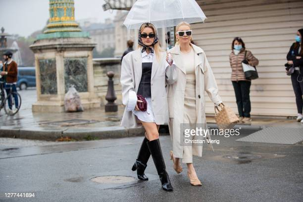 Guests seen outside Dior during Paris Fashion Week - Womenswear Spring Summer 2021 : Day Two on September 29, 2020 in Paris, France.