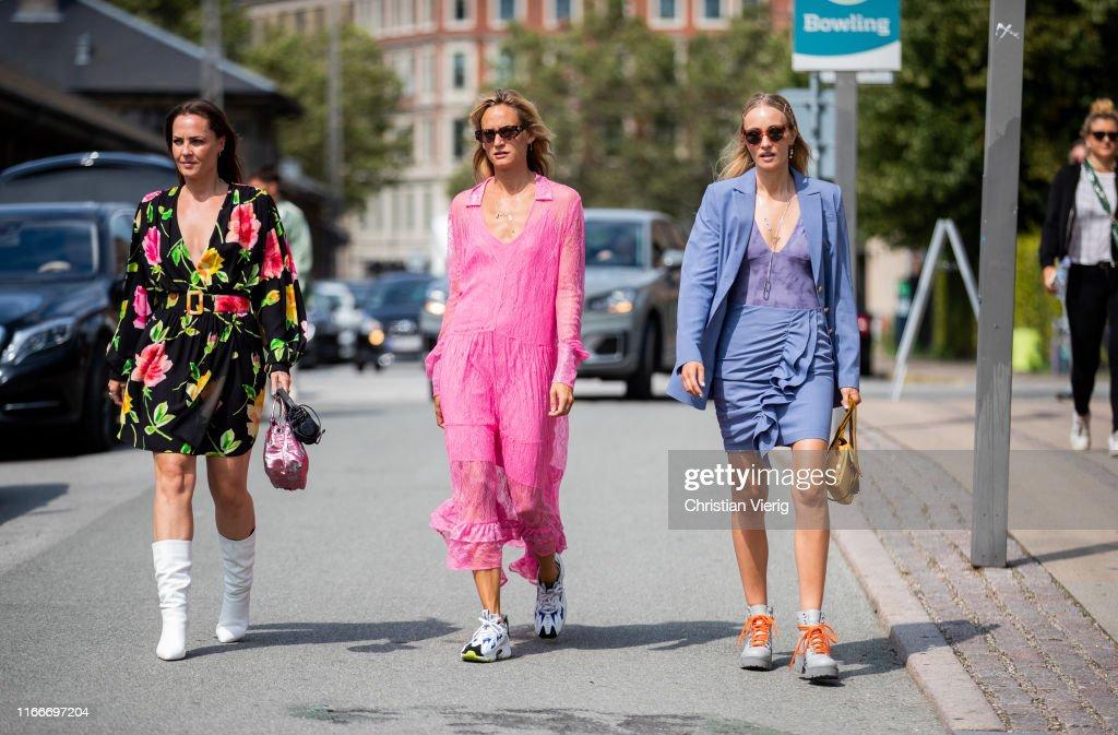 Street Style - Day 2 - Copenhagen Fashion Week Spring/Summer 2020 : Nachrichtenfoto