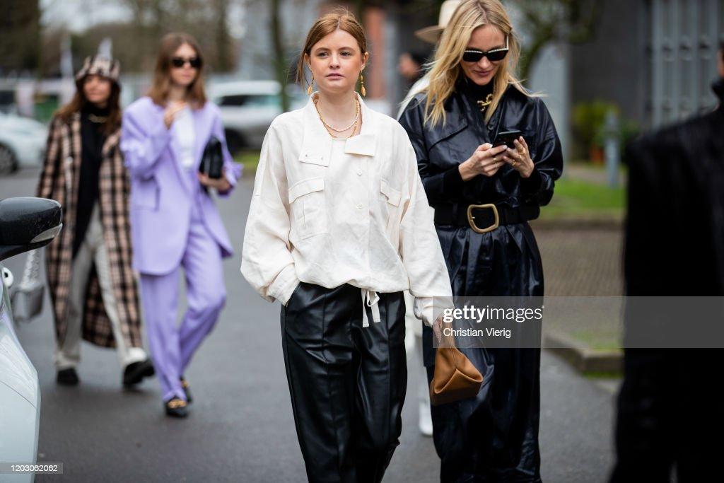 Street Style - Day 3 - Copenhagen Fashion Week Autumn/Winter 2020 : ニュース写真