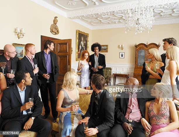 guests turning around - guest stock pictures, royalty-free photos & images