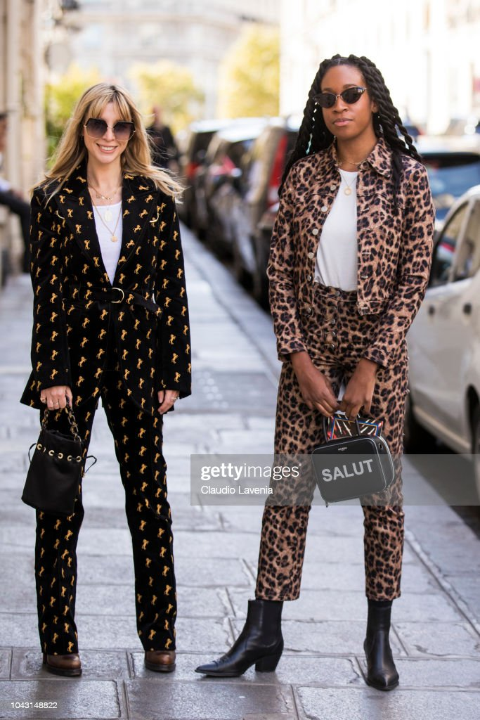 Street Style : Paris Fashion Week Womenswear Spring/Summer 2019 : Day Six : News Photo