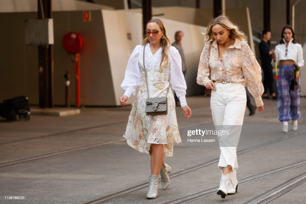 Street Style - Mercedes-Benz Fashion Week Australia 2019 : Photo d'actualité