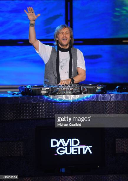 Guetta performs onstage at the Los Premios MTV 2009 Latin America Awards held at Gibson Amphitheatre on October 15 2009 in Universal City California