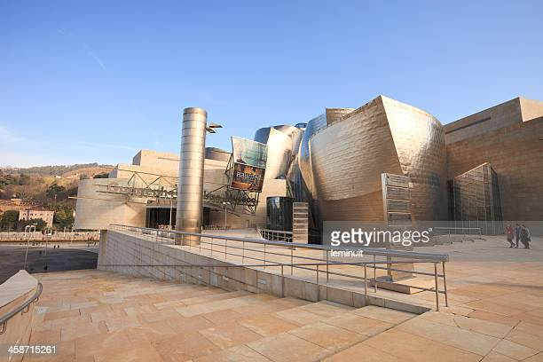 guggenheim museum bilbao - solomon r. guggenheim museum stock pictures, royalty-free photos & images