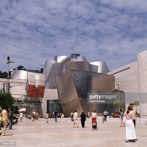 Guggenheim Museum, Bilbao, Spain, Architect Frank Gehry Guggenheim Museum Exterior