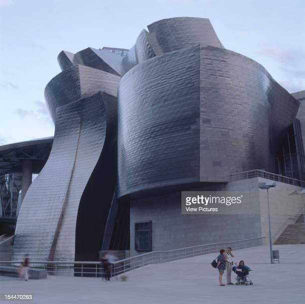 Guggenheim Museum Bilbao Spain Architect Frank Gehry Guggenheim Museum Exterior