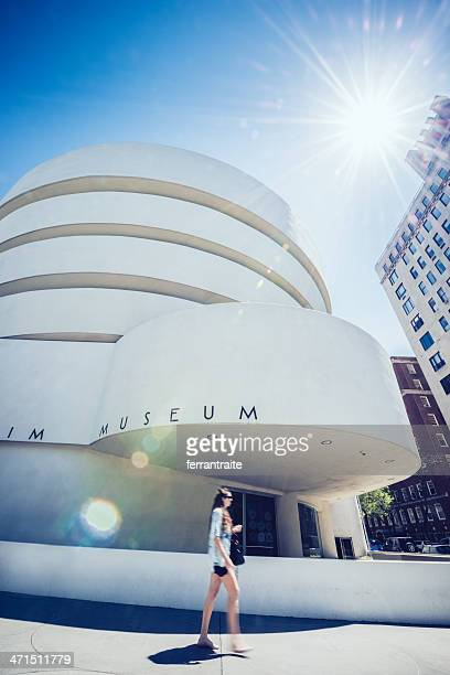 guggenheim museum new york - solomon r. guggenheim museum stock pictures, royalty-free photos & images