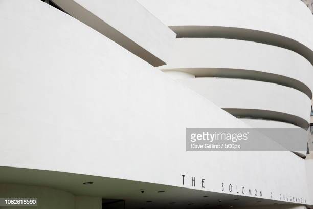 guggenheim - solomon r. guggenheim museum stock pictures, royalty-free photos & images