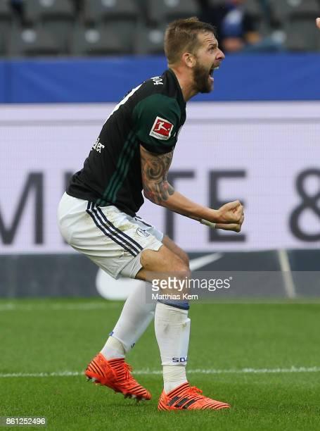 Guido Burgstaller of Schalke jubilates after scoring the second goal during the Bundesliga match between Hertha BSC and FC Schalke 04 at...