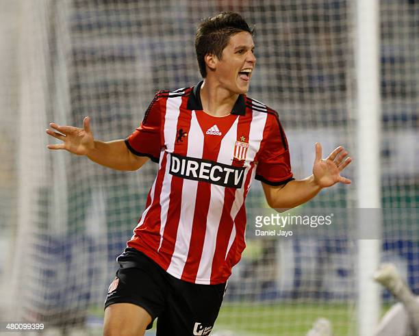 Guido Carrillo celebrates after scoring during a match between Velez Sarsfield and Estudiantes as part of ninth round of Torneo Final 2014 at Jose...