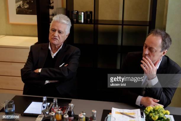 Guido Friedrich Knopp und der Programmgeschäftsführer des Ereignis und Dokumentationskanals Phoenix Michael Hirz im Interview über den...