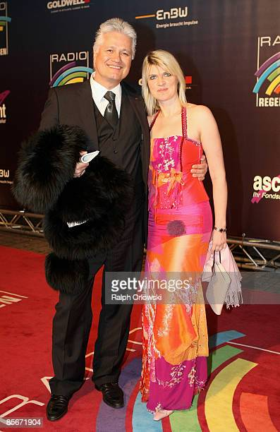 Guido Knopp and his wife Gabriella arrive for the Radio Regenbogen Award at the Schwarzwaldhalle on March 27, 2009 in Karlsruhe, Germany.