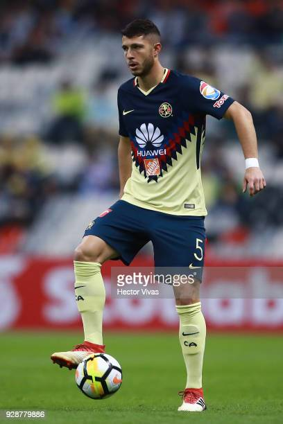 Guido Rodriguez of America drives the ball during the match between America and Tauro FC as part of the CONCACAF Champions League 2018 at Azteca...