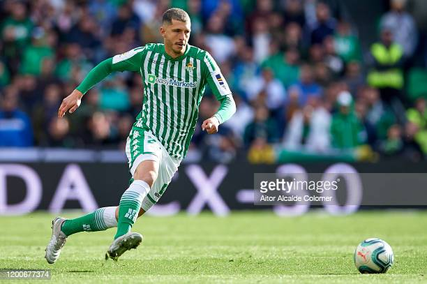 Guido Rodriguez of Real Betis Balompie in action during the Liga match between Real Betis and Real Sociedad at Estadio Benito Villamarin on January...