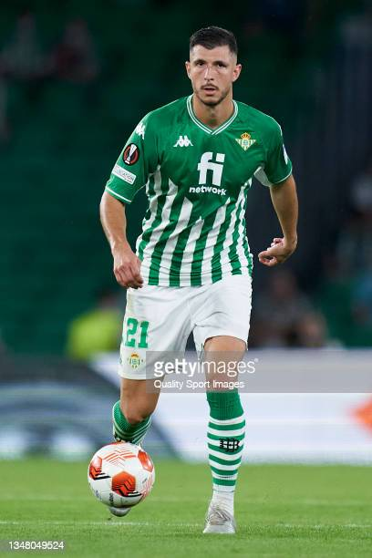 Guido Rodriguez of Real Betis runs with the ball during the UEFA Europa League group G match between Real Betis and Bayer Leverkusen at Estadio...
