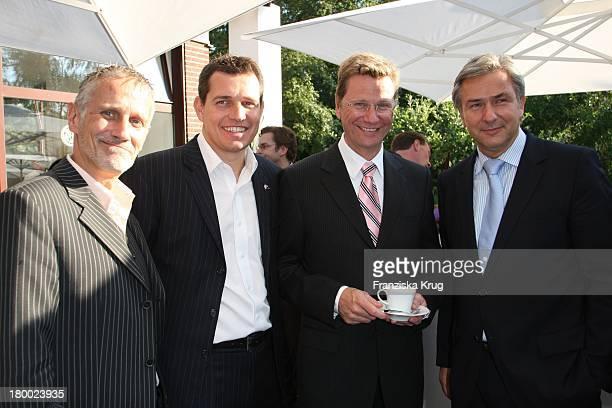 Guido Westerwelle Mit Freund Michael Mronz Und Bürgermeister Klaus Wowereit Mit Freund Jörn Kubicki Beim Vw Empfang Am Rande Des B. Streisand...