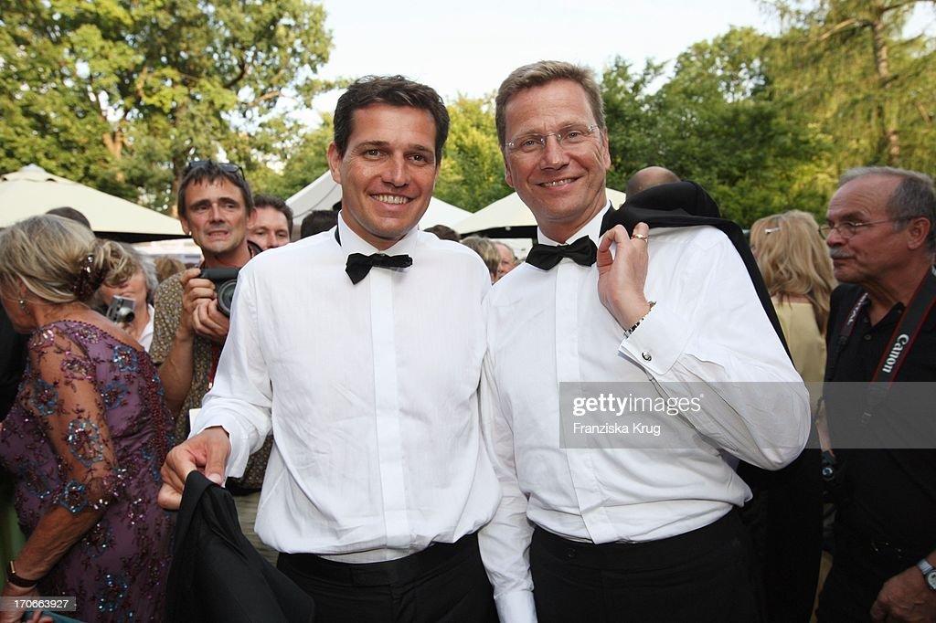 Guido Westerwelle Und Freund Michael Mronz In Der Pause Bei Der