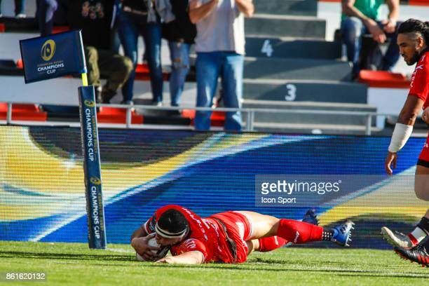Guilhem Guirado of Toulon scores a try during the European Champions Cup match between Toulon and Scarlets on October 15 2017 in Toulon France