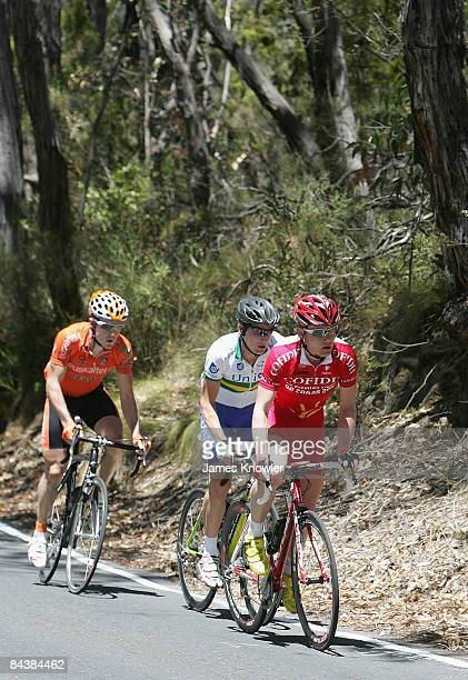 Guillaume Blot of team Confidis rides into Aldgate during stage two of the 2009 Tour Down Under at Hanhdorf to Stirling on January 21 2009 in...