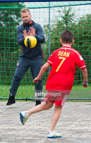 Guillaume Gillet during a visit of the Belgian National Football Team to the communal Basischool on June 03, 2016 in Forrires, Belgium. The school...