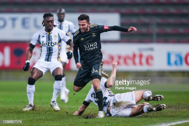 Guillaume Gillet of Sporting Charleroi battles for possession with Siebe Schrijvers of OH Leuven during the Jupiler Pro League match between Sporting...