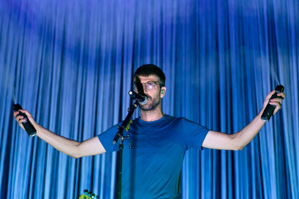 ESP: Manel Performs In Madrid