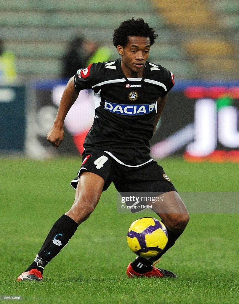 AS Bari v Udinese Calcio - Serie A : ニュース写真