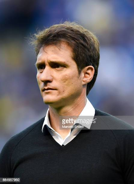 Guillermo Barros Schelotto coach of Boca Juniors looks on during a match between Boca Juniors and Arsenal as part of the Superliga 2017/18 at Alberto...