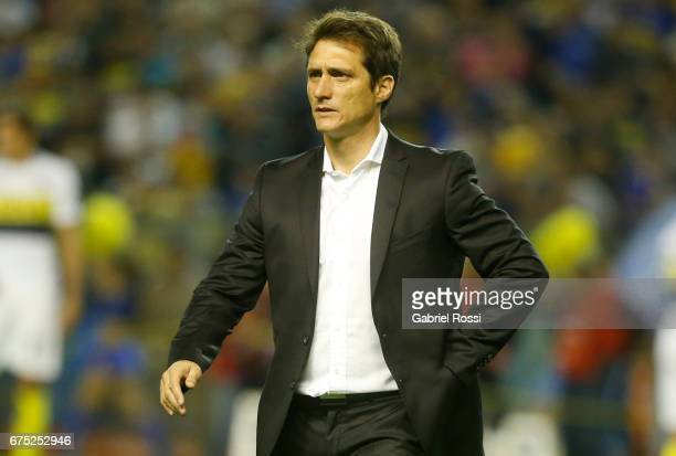 Guillermo Barros Schelotto coach of Boca Juniors looks on prior a match between Boca Juniors and Arsenal as part of Torneo Primera Division 2016/17...