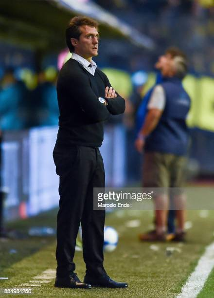 Guillermo Barros Schelotto of Boca Juniors looks on during a match between Boca Juniors and Arsenal as part of the Superliga 2017/18 at Alberto J...