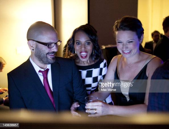 dc8451afc62 Guillermo Diaz, Kerry Washington and Katie Lowes rehearse backstage... News  Photo - Getty Images