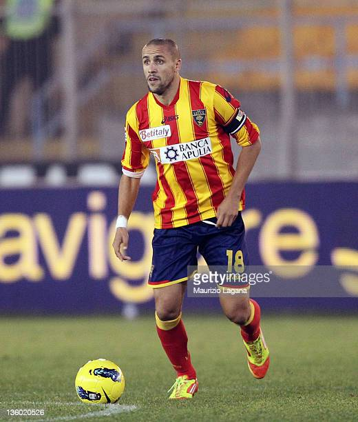 Guillermo Giacomazzi of Lecce in action during the Serie A match between US Lecce and SS Lazio at Stadio Via del Mare on December 10 2011 in Lecce...