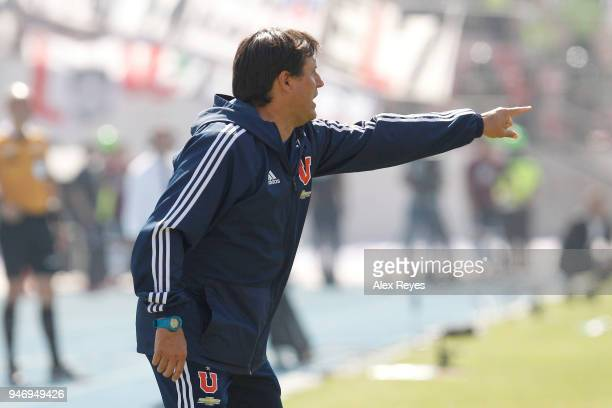 Guillermo Hoyos coach of U de Chile gives instructions to his players during a match between U de Chile and Colo Colo as part of Torneo Scotiabank...