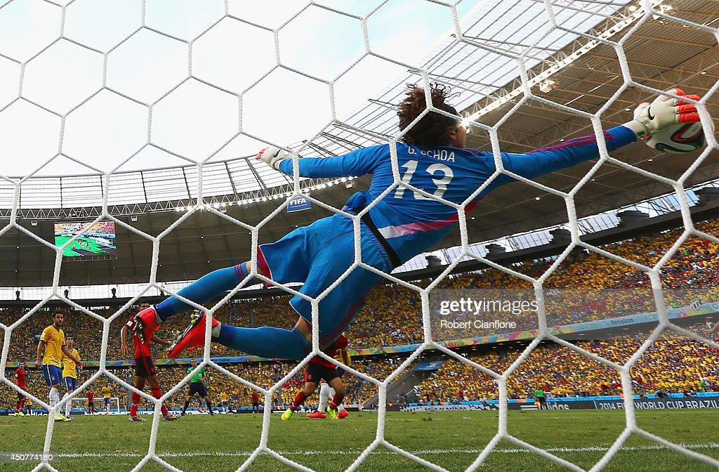 Brazil v Mexico: Group A - 2014 FIFA World Cup Brazil : Photo d'actualité