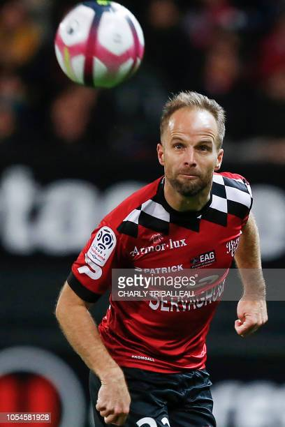 Guincamp's French midfielder Etienne Didot controls the ball during the French L1 football match between Guingamp and Strasbourg at the Roudourou...