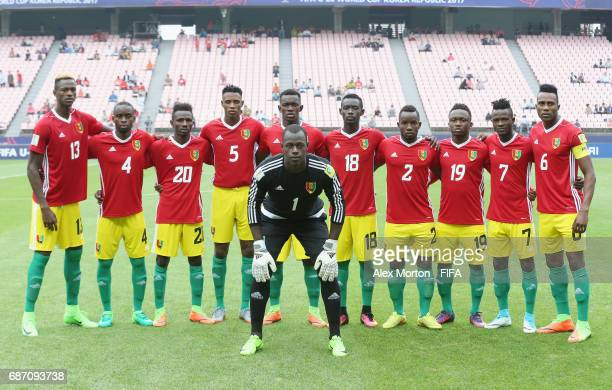Guinea players pose for a team photo prior to the FIFA U20 World Cup Korea Republic 2017 group A match between England and Guinea at Jeonju World Cup...