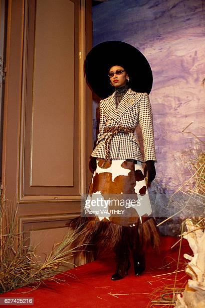 Guinean fashion model Katoucha walks in the latest haute couture women's line by French designer Christian Lacroix at his 19871988 FallWinter fashion...