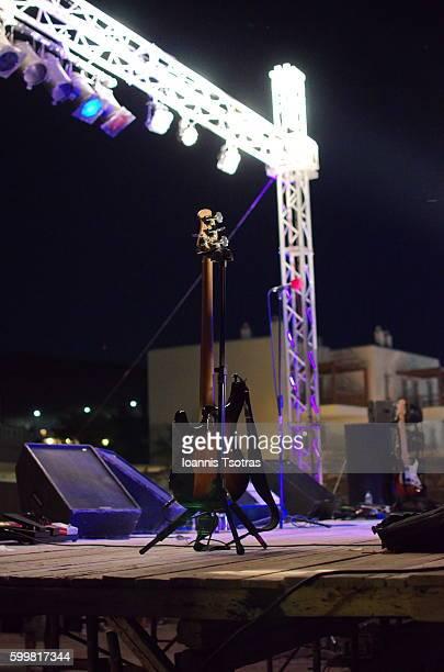 guitar on stage - turno sportivo foto e immagini stock
