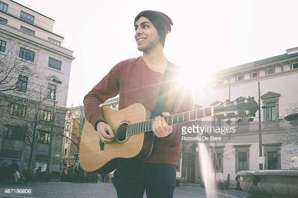 guitar player - singer stock pictures, royalty-free photos & images
