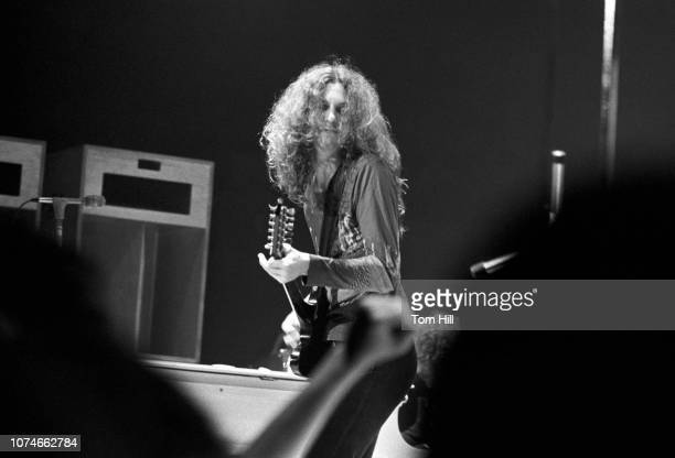 Guitarist Allen Collins of Lynyrd Skynyrd performs at the Omni Coliseum on July 5 1975 in Atlanta Georgia