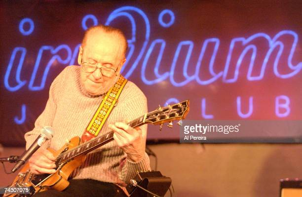 Guitarist and inventor Les Paul performs onstage at the Iridium Jazz Club in circa 2000 in New York City New York
