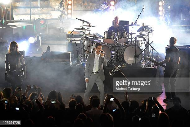 Guitarist Dave Navarro singer Perry Farrell drummer Stephen Perkins and bassist Chris Chaney of Jane's Addiction performs live at the John Anson Ford...