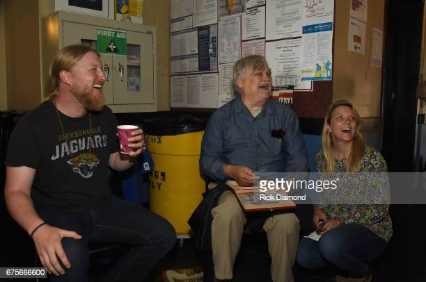 Guitarist Derek Trucks Col Bruce Hampton and blues and soul musician Susan Tedeschi backstage at 'Hampton 70 A Celebration Of Col Bruce Hampton' at...