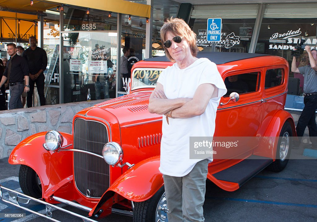 Guitarist Jeff Beck arrives at the Jeff Beck fan meet and greet in celebration of new book 'BECK01' at Mel's Drive In on August 8, 2016 in West Hollywood, California.