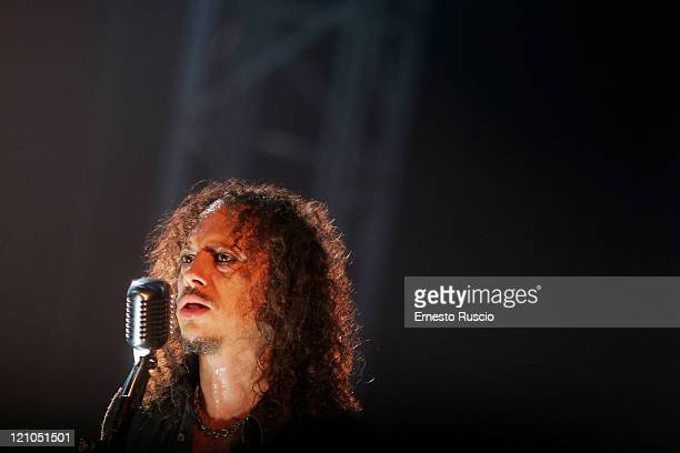 Guitarist Kirk Hammett of Metallica performs live during 'World Magnetic Tour 2009' at the Palalottomatica on June 24, 2009 in Rome, Italy.
