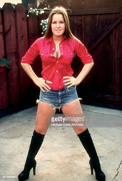 Guitarist Lita Ford of the rock band 'The Runaways' poses for a portrait iat her family's home in November 1976 in Los Angeles California