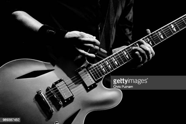 guitarist live - modern rock stock pictures, royalty-free photos & images